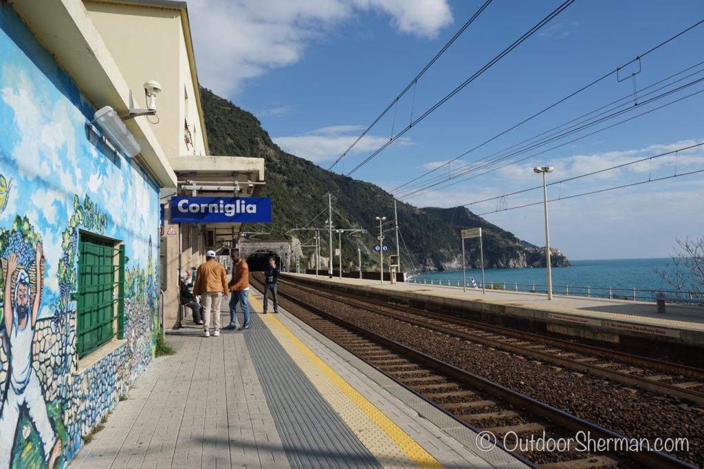 Waiting for the train at Corniglia train station
